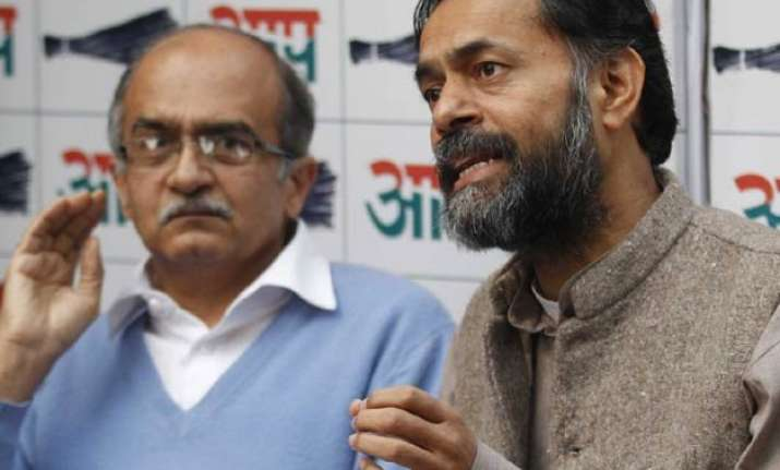 ousted aap members yogendra yadav prashant bhushan hint at