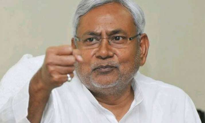 bjp slams nitish for not expressing sympathy to stampede