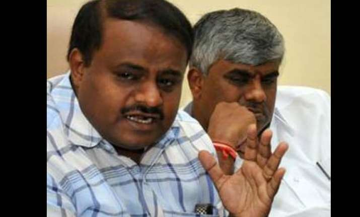 kumaraswamy releases sting cd involving bjp mla