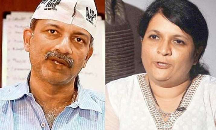 aap on the verge of split mayank gandhi may also quit today