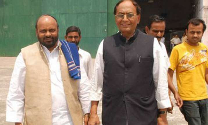 thakur withdraws resignation