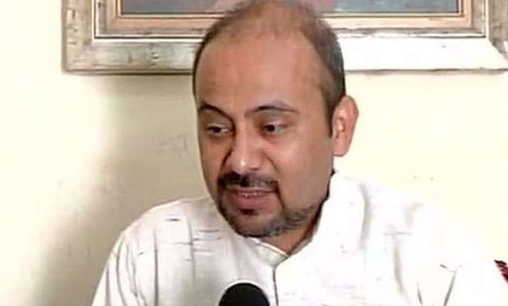 delhi police bus tried to run over me alleges aap leader