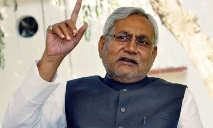 snake tweet aimed at bjp not lalu clarifies nitish kumar