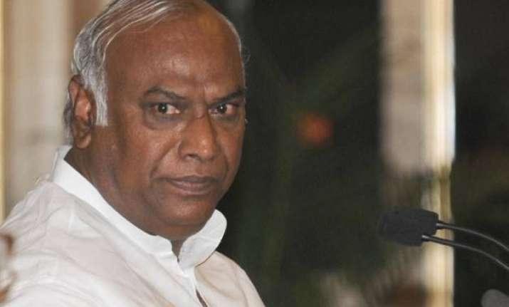 congress trinamool demand judicial probe into farmer s