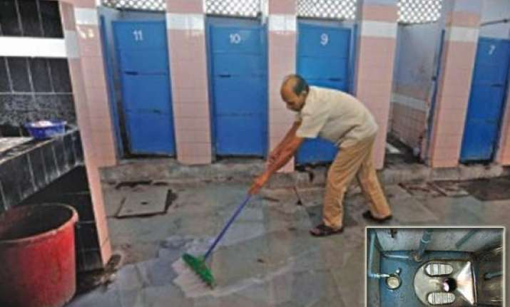 know why modi wants swachh bharat 88 pc travellers put off