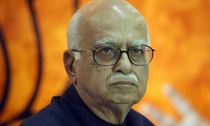 advani supports opposition at crucial meet on net neutrality