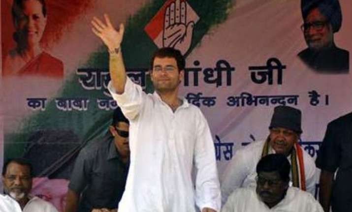 cong will give priority to youths during ticket distribution