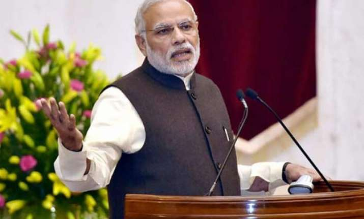 congress accuses pm modi of deafening silence on net