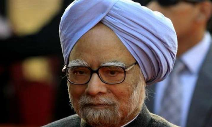 press freedom should not be violated manmohan singh