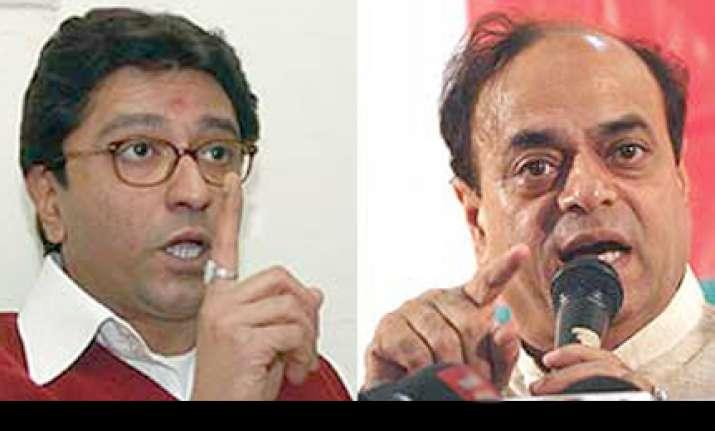 raj thackeray abu azmi spar over hindi