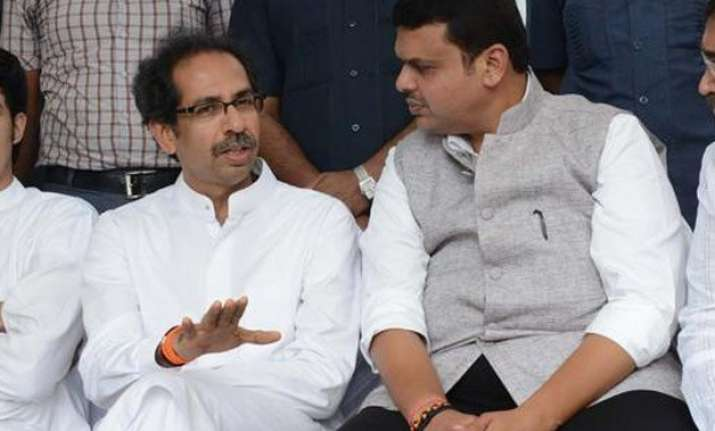bjp to discuss possibility of snapping ties with shiv sena