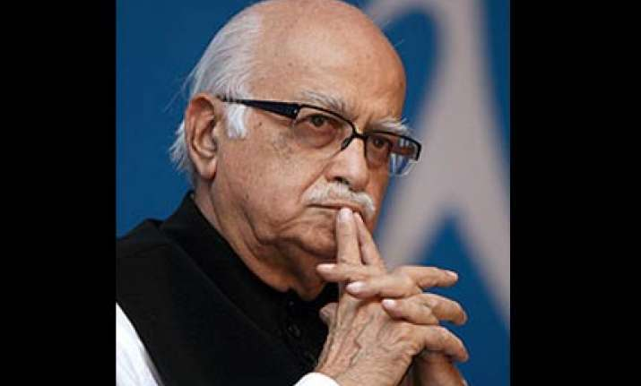 advani asks party mps to exercise caution on ayodhya