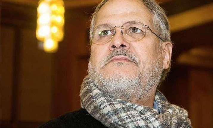 delhi cabinet passes resolution against l g najeeb jung in