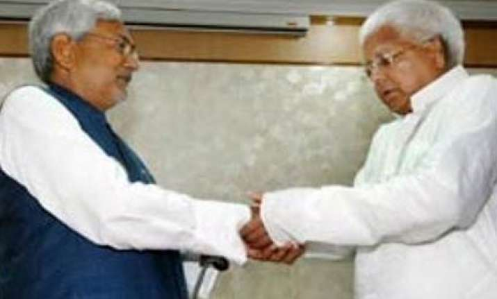 lalu taunts nitish to allot himself residence of ex cm