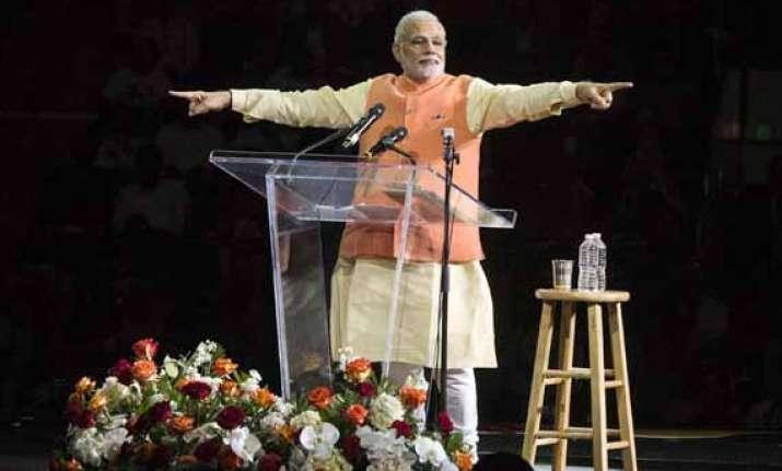 congress complains to ec after marathi channels re telecast