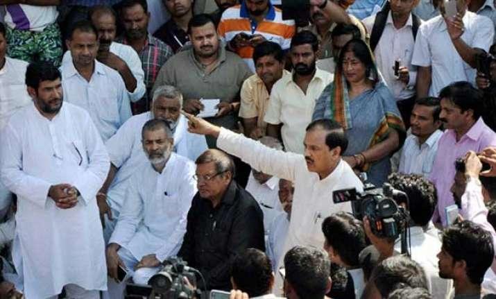 dadri lynching political slugfest continues critics