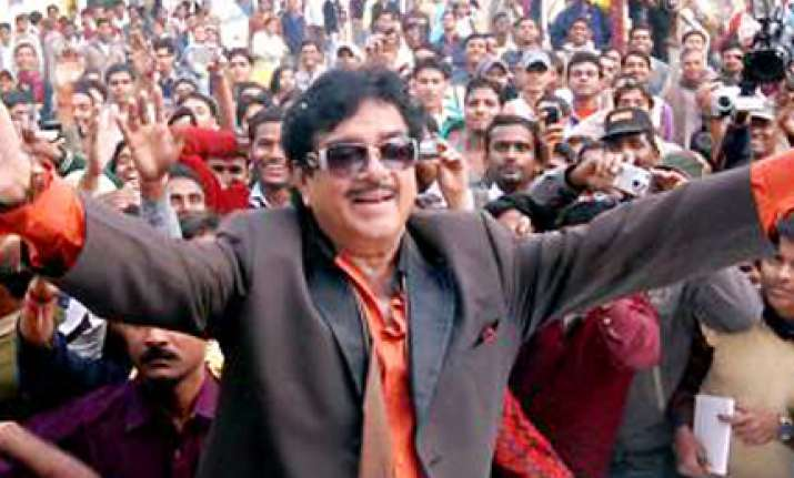 shatrughan to campaign for bjp in maharashtra