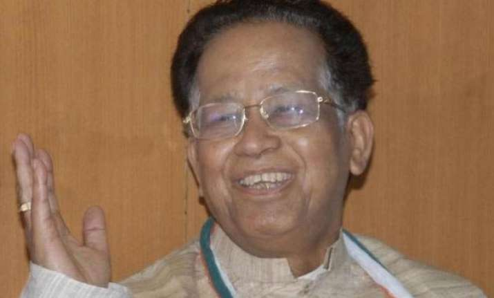 gogoi urges sangma to hand over labourers death case to cbi