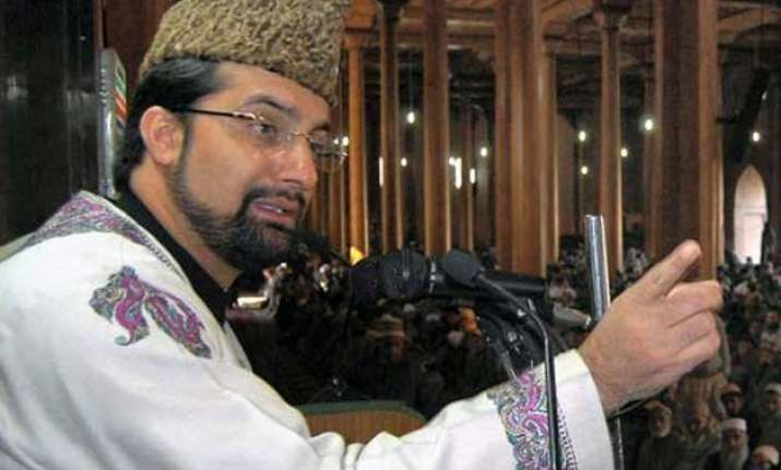 mirwaiz umar farooq placed under house arrest