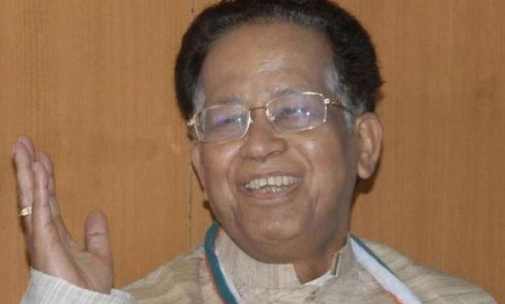 gogoi expresses solidarity with former pm manmohan singh