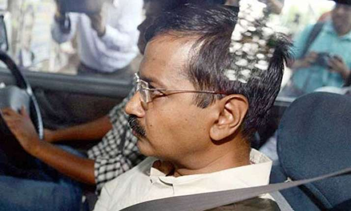 rss slams kejriwal govt over draconian defamation circular