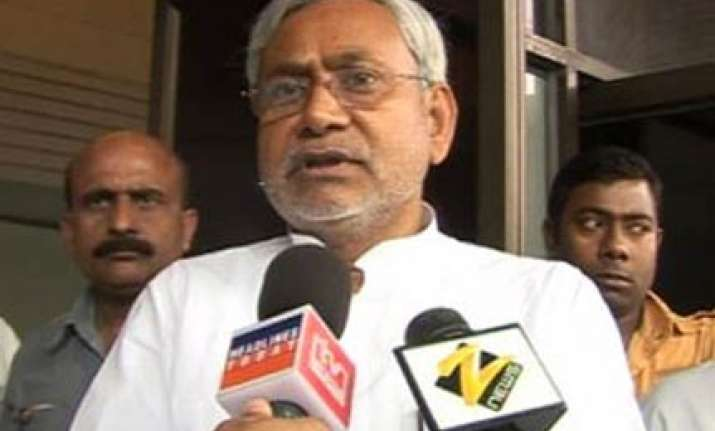 pm trying to shift blame on bihar govt says nitish