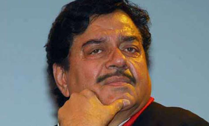 jd u invites shatrughan sinha to join party