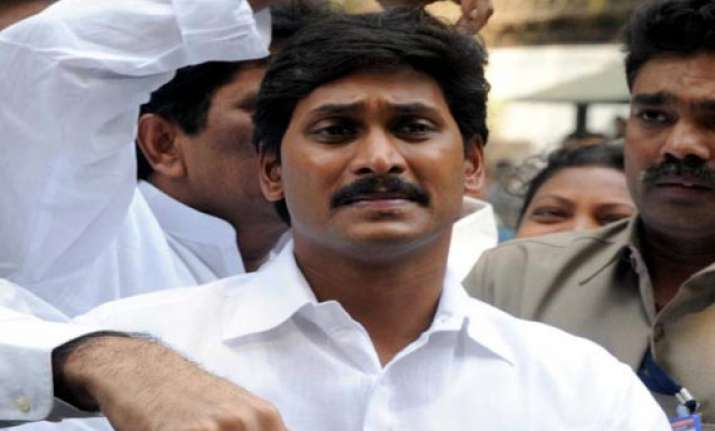 jagan s wife attacks cbi accuses it of working at cong