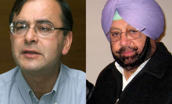 jaitley takes dig at congress for fielding reluctant