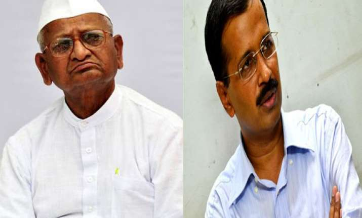 jan lokpal anna supports kejriwal on threat to resign