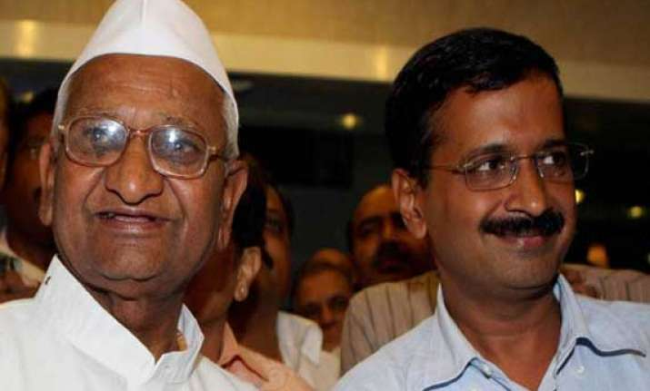 jan lokpal bill anna hazare supports kejriwal on threat to