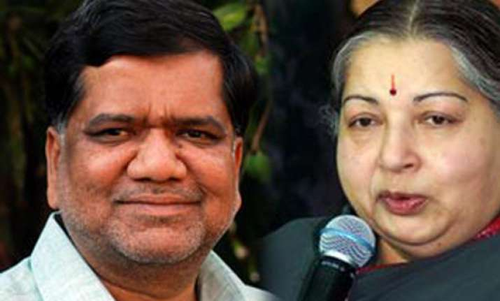 jayalalithaa shettar to meet on thursday over cauvery