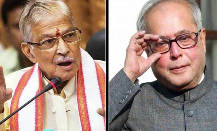 joshi praises pranab s defence of cag and pac