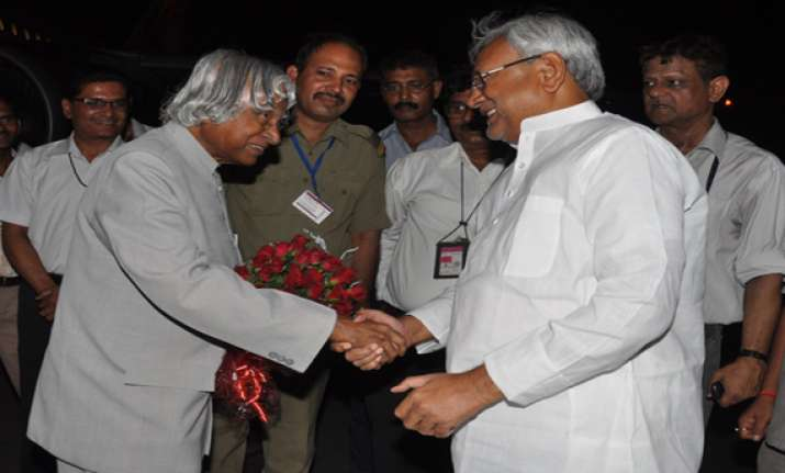 kalam and nitish hold 75 minute luncheon meeting
