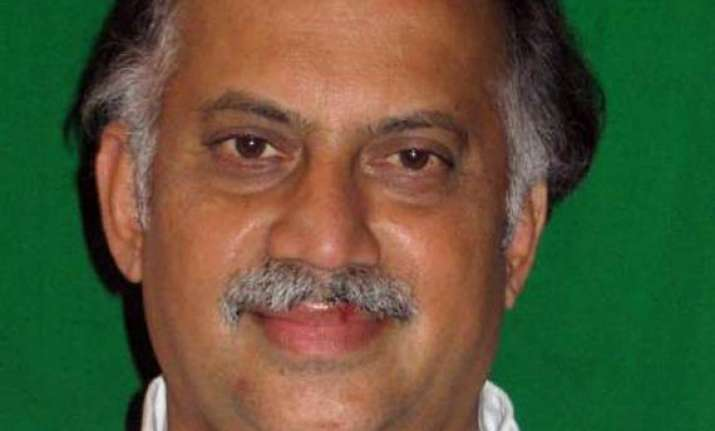 kamat demands mumbai congress meet to discuss ncp tie up