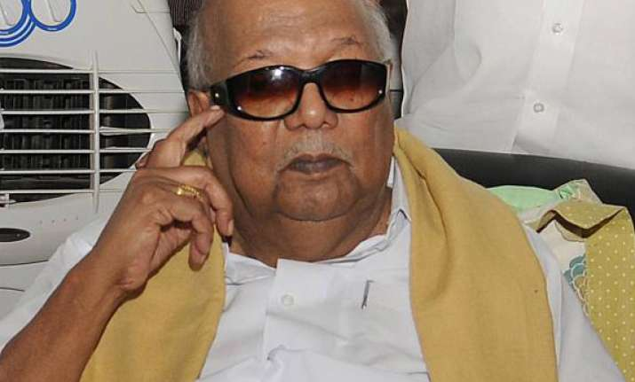 karunanidhi joins issue with jaya on food security bill