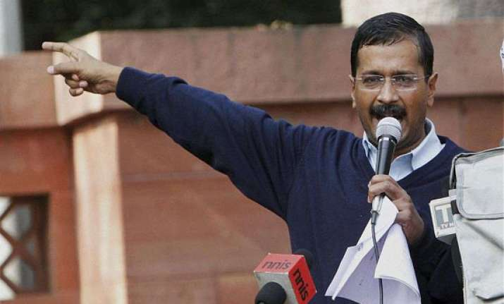 kejriwal threatens to quit over jan lokpal bill