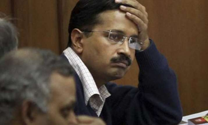 kejriwal summoned in defamation case filed by gadkari