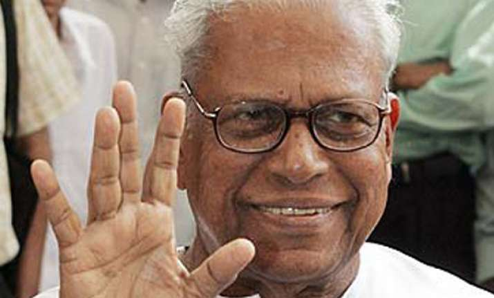 kerala cm says sc should probe judge bribery case