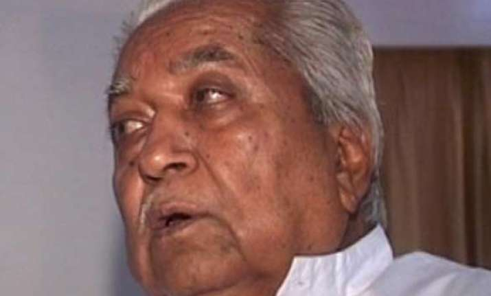 keshubhai patel wins by 20 000 votes