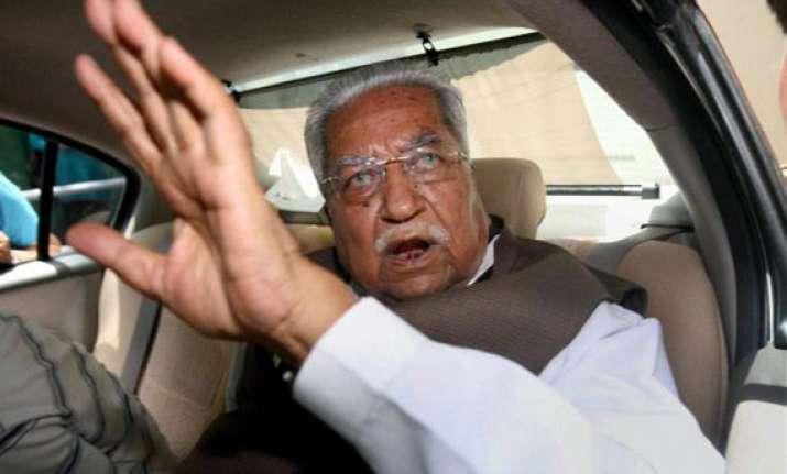 keshubhai asks did gadkari go to measure dawood s iq