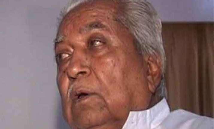 keshubhai seeks ec action against sidhu