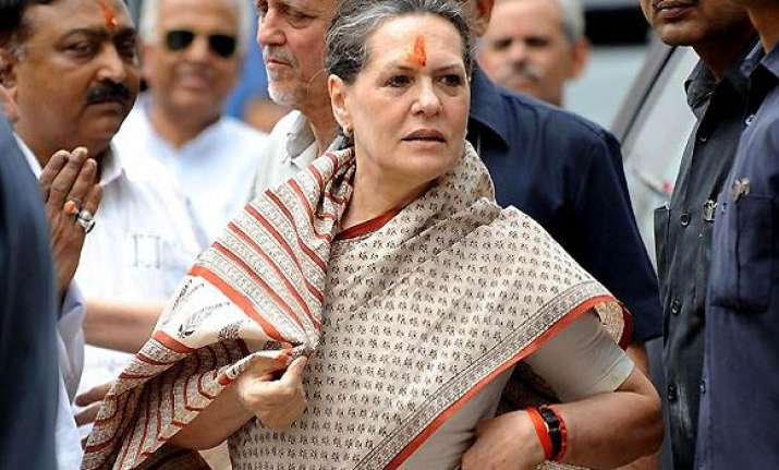 ldf govt in kerala steeped in corruption says sonia