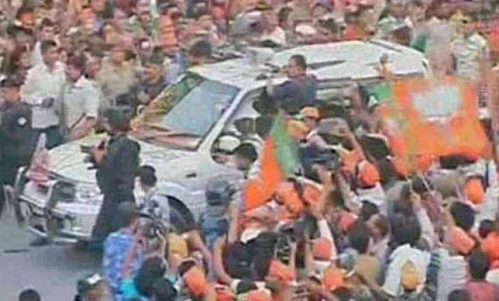 live narendra modi holds roadshow in varanasi after rally