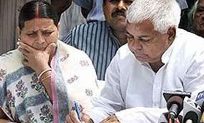 lalu cries conspiracy rabri files complaint for life threat