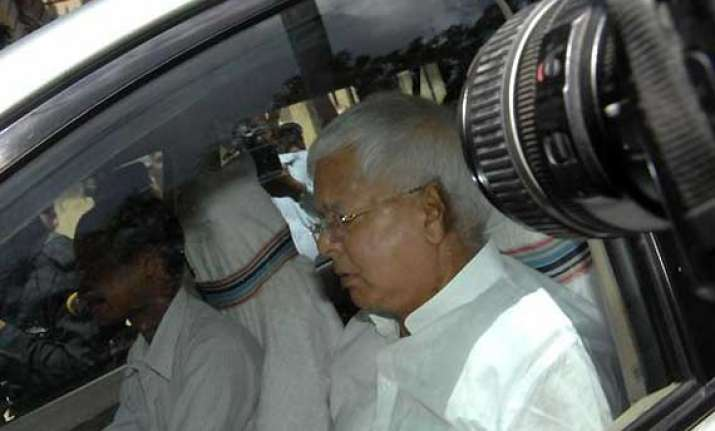 lalu comes to chidambaram s defence blames bjp