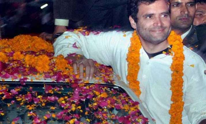 live reporting rahul meets rickshaw pullers offers prayers