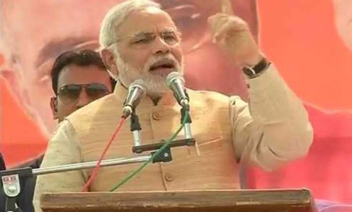live reporting modi addressing delhi rally lashes out at aap