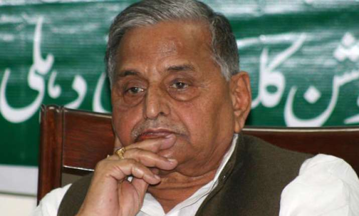 losers trying to enter sp says mulayam