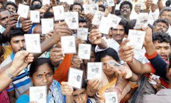 maharashtra votes for 10 lok sabha seats